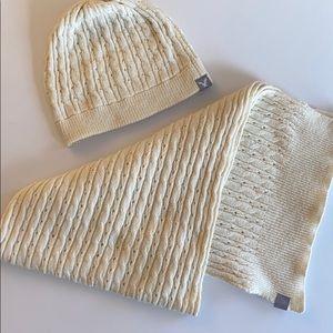 AMERICAN EAGLE Scarf & Hat Set